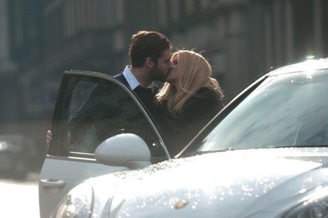 Sokak ortasında aşka geldiler
