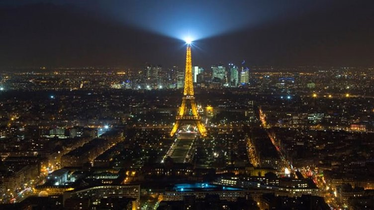 Paris'te yine insansız hava aracı alarmı