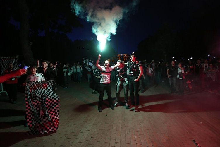 Beşiktaş şampiyonluğu böyle kutladı