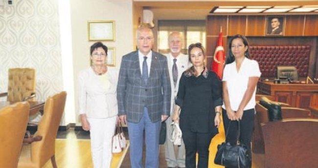 Alzheimer Derneği'nden Başkan Yaşar'a ziyaret