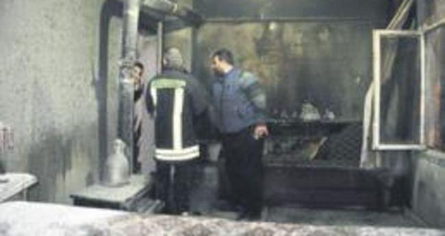 Oğlunu evlendirirken evi yandı