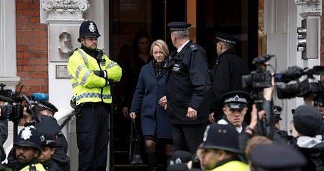 Julian Assange, Londra'da sorgulandı