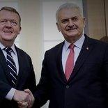 Başbakan Binali Yıldırım ve Rasmussen ortak basın toplantısı düzenledi