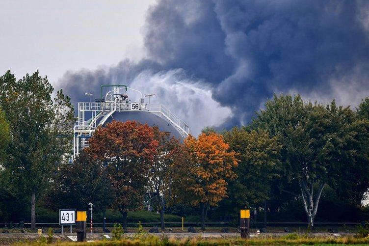 Almanya'nın Ludwigshafen kentinde yangın çıktı
