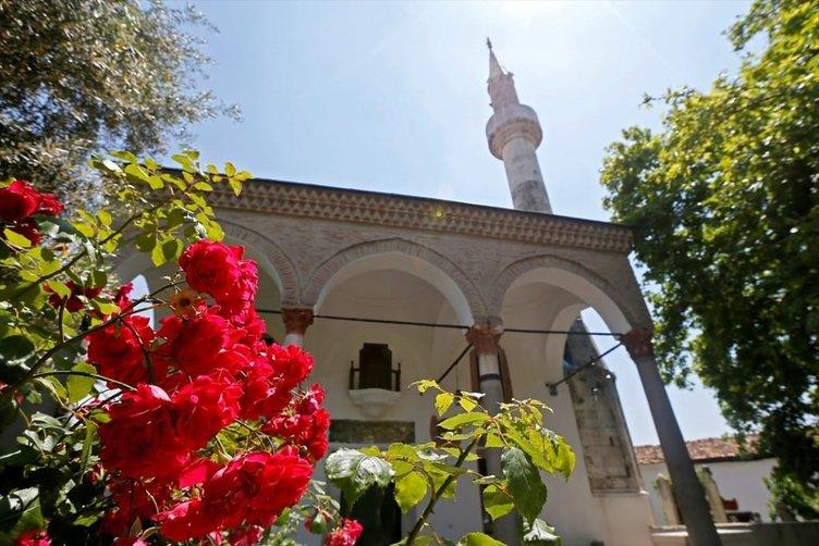 İzmir'in asırlık camileri ramazana hazır