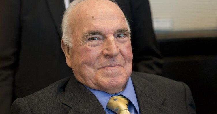 Son dakika: Eski Almanya Başbakanı Helmut Kohl öldü!