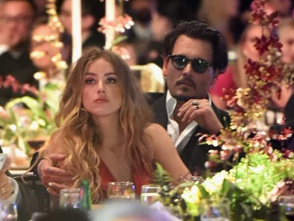 Johnny Depp'in eşi Amber Heard şiddet fotoğrafları yayınladı