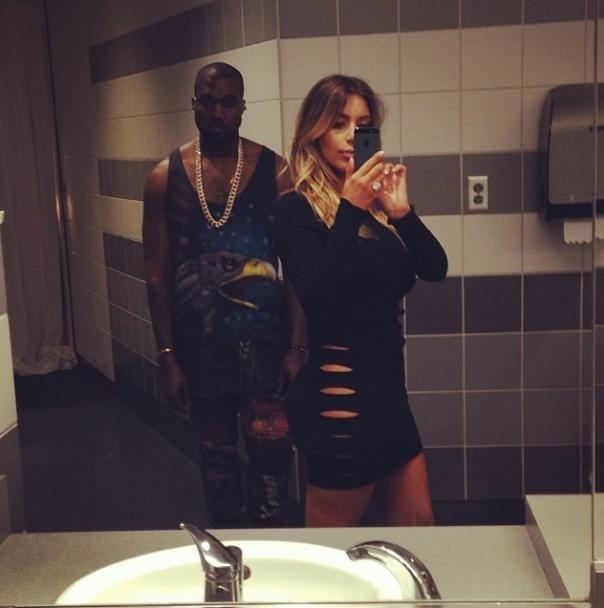 Kardashian'dan yeni selfie