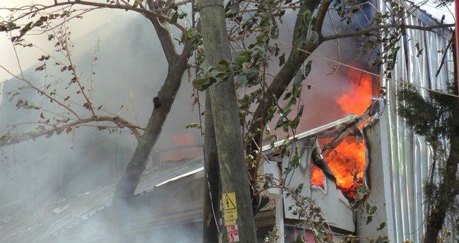 Go-kart alanı alev alev yandı