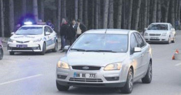 Otomobilin çarptığı iki çocuk yaralandı