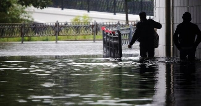 Yunanistan'daki selde ölü sayısı 5'e çıktı
