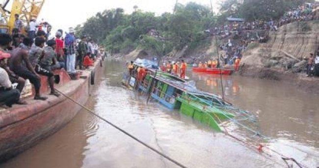 Myanmar ve Hindistan'da facia: 94 ölü