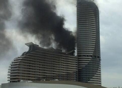 Akasya AVM'de yangın