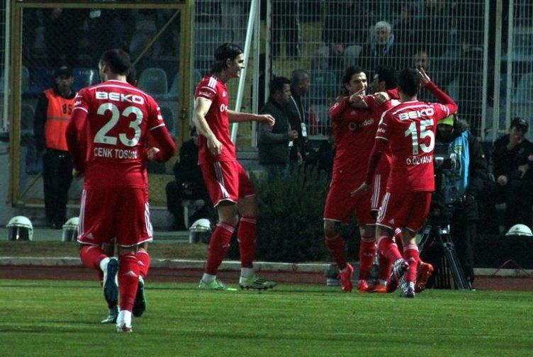 Adana Demirspor - Beşiktaş maçının fotoğrafları