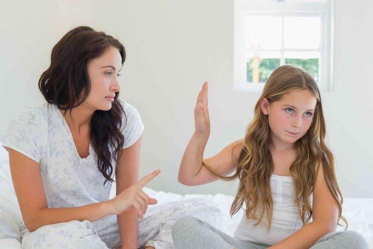 Ergenlik döneminde ebeveynlere düşenler