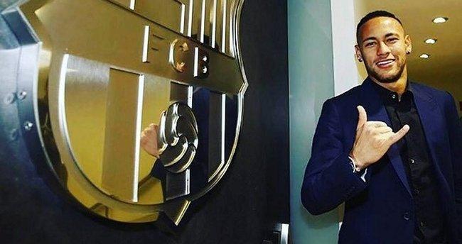 Neymar, 2021'e kadar Barcelona'da