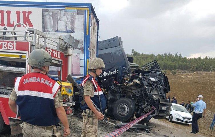 Zincirleme trafik kazası: 2 ölü, 4 yaralı