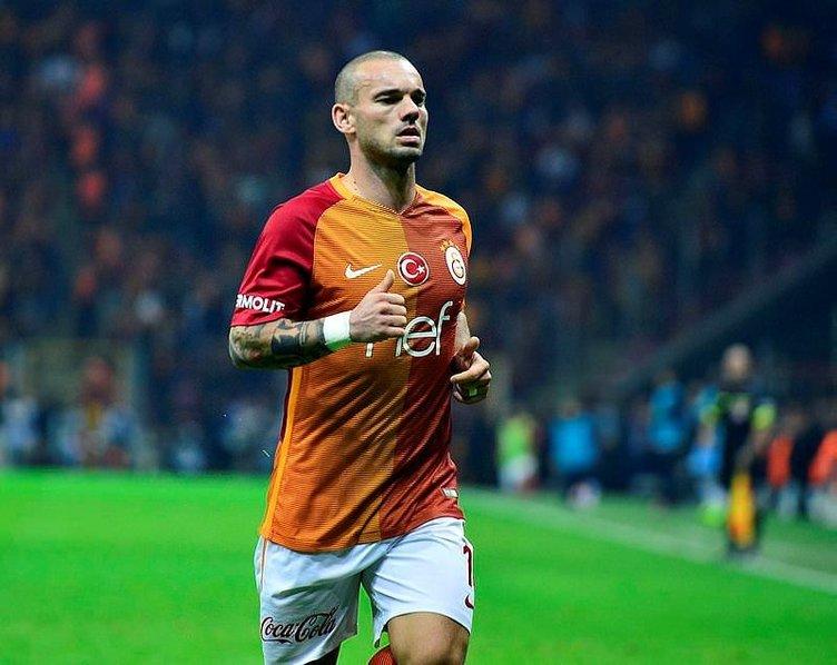 Sneijder'den flaş Katar açıklaması