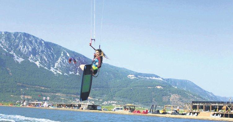 Akyaka'da kiteboard sezonu açıldı