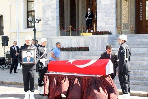 Hayri Kozakçıoğlu son yolcuğuna uğurlandı