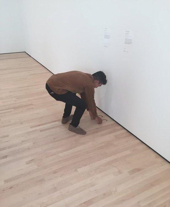 Müzedeki gözlüğü sanat eseri sandılar