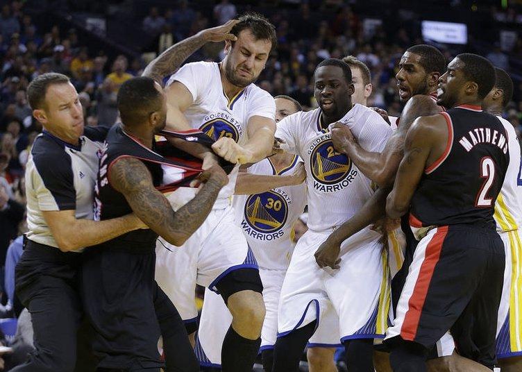 NBA maçında olay çıktı
