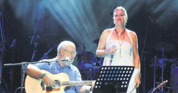 Ortaçgil ve Tezer ikilisi Açıkhava konserlerinde