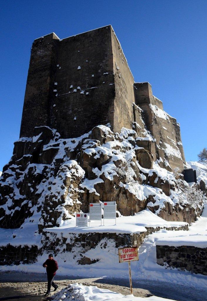 Tarihi kentte kış güzelliği