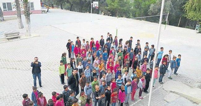 Gençler okullarına kütüphane istiyor