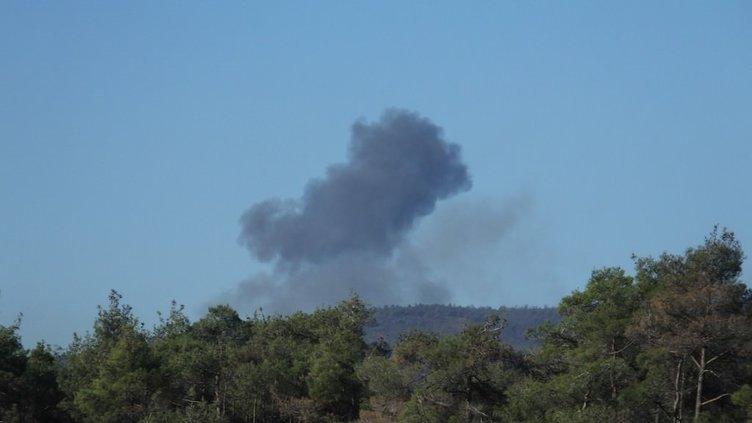 Suriye sınırında uçak düştü