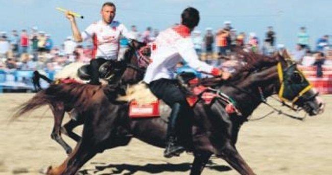 Atlı Cirit müsabakası Sultangazi'de yapıldı