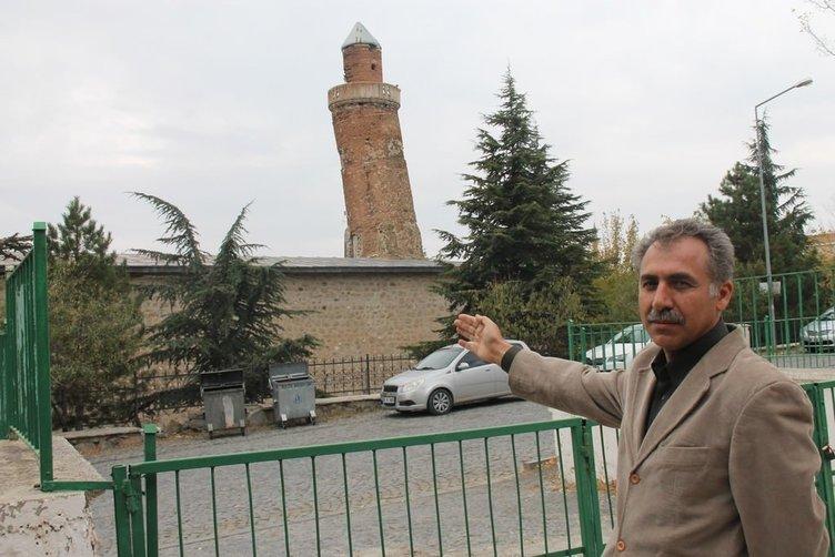 Eğri minarenin, Pisa Kulesi'nden bile daha eğri olduğu tescillendi