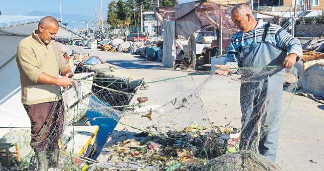 Denizden balık değil çöp çıkıyor
