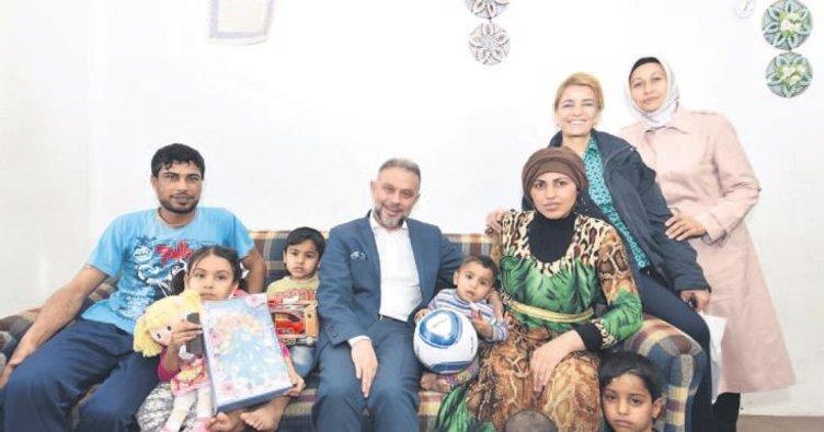 Nevin Gökçek, ihtiyaç sahibi aileleri ziyaret etti