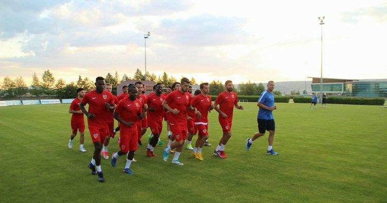 Kayserispor'da 12 transfer! Sıra geldi Gyan ve Sabri'ye...