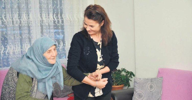 Kaymakam'dan Muzaffer anneye iftar sürprizi
