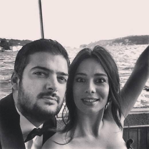 Merve Sevi nişanlandı