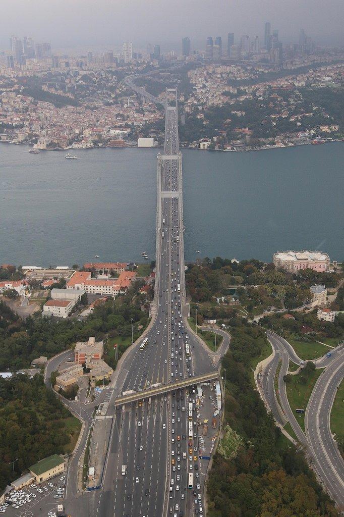 İstanbul trafiği havadan denetlendi