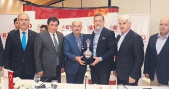Bursa iş dünyası Bakan Müezzinoğlu ile buluştu