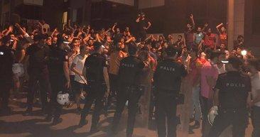 Galatasaraylı taraftarlar Florya'da