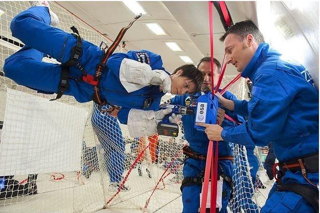 İtalya'nın İlk Kadın Astronotu