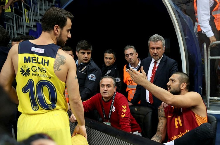 Fenerbahçe'den Galatasaray'a olay gönderme!