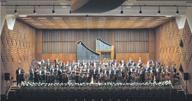 İdil Biret'ten muhteşem konser