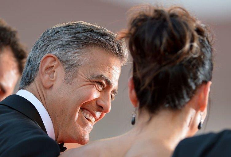 Sandra Bullock ile George Clooney sevgili oldular mı?