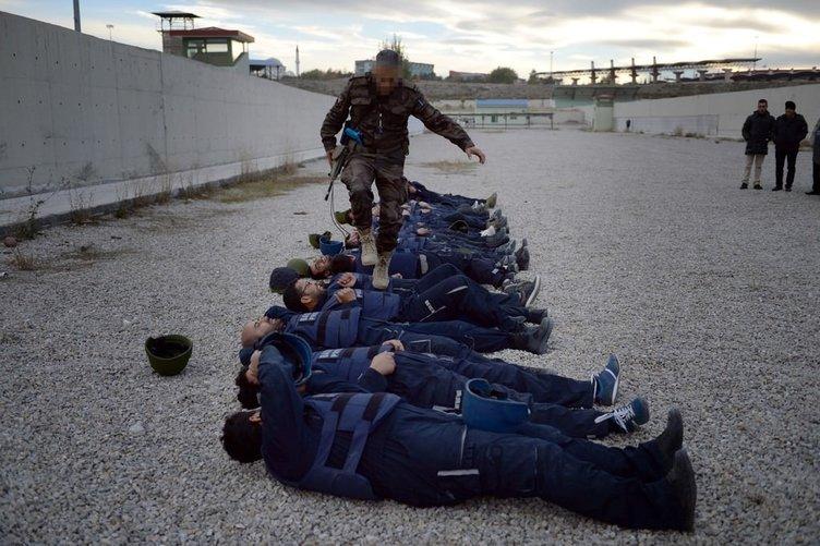Savaş muhabiri adaylarına zorlu eğitim