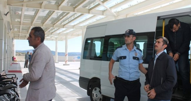 Manisa'da FETÖ/PDY operasyonu: 5 tutuklama