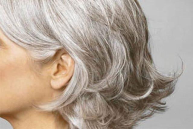 Saçların beyazlamasını önlemenin yolları