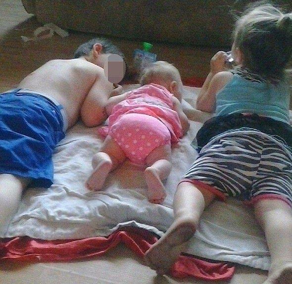 'Uyku içeceği' diyerek üç çocuğuna da eroin enjekte ediyor!