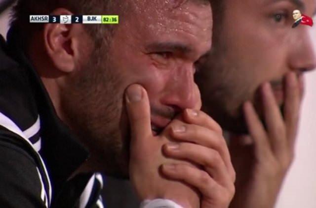 Serdar Kurtuluş'un gözyaşları o isimleri hatırlattı