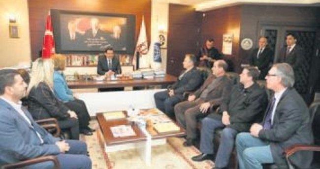 Priştine heyeti Başkan Ak'ı ziyaret etti